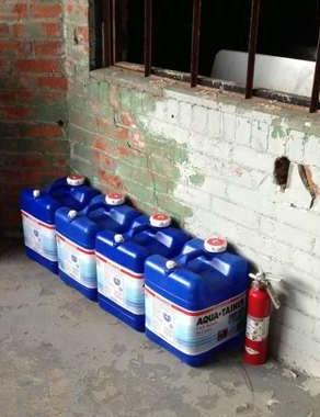 7 Gallon Aqua-Tainers